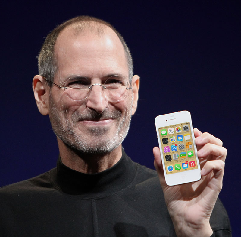 Steve Jobs unveiling iPhone 4
